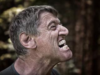 Smilkininio apatinio žandikaulio (TMJ) skausmas