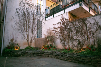 Courtyards & Patios 18
