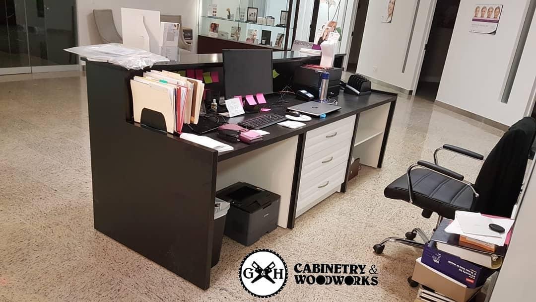 COSMEDERM front desk 3