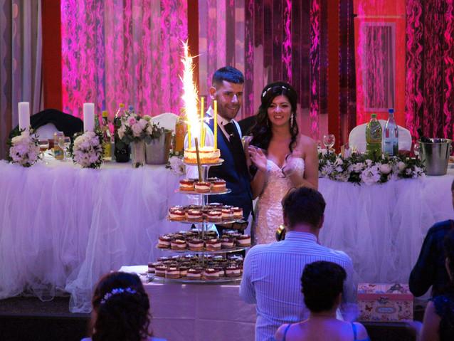 Prezentarea Tortului | Nunta Salon Meteora |