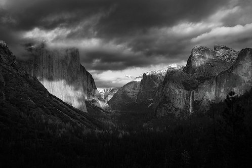 Shadows of Yosemite (black and white)