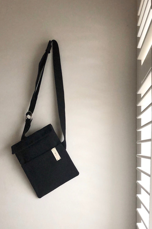 O Ring Strap Bag  : Black