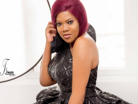 Toyin Abraham leads #EndSars protest in Ibadan 24 hours after getting dragged by Nigerians on Twitte