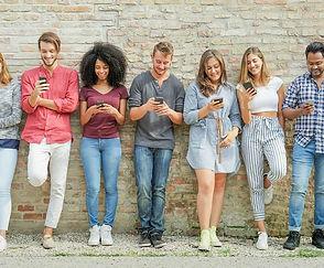 teens-phones-0.jpg