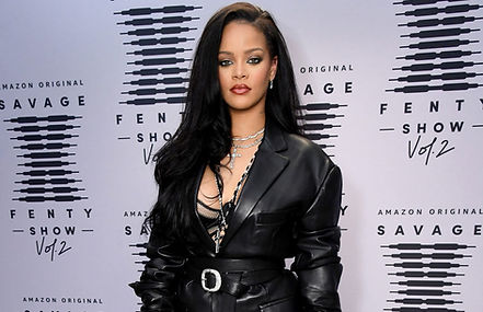 Rihanna-2020-show-red-carpet-a-billboard