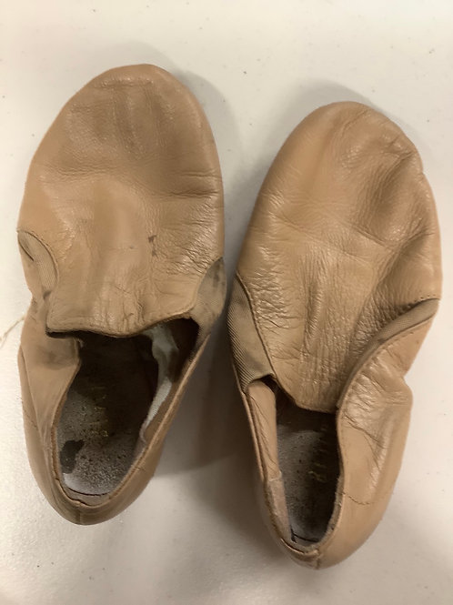 2nd Hand Jazz Shoes (slip on) - Sole of shoe measures 17cm