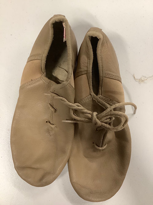 2nd hand jazz shoes (lace up) - Sole of shoe measures 21cm
