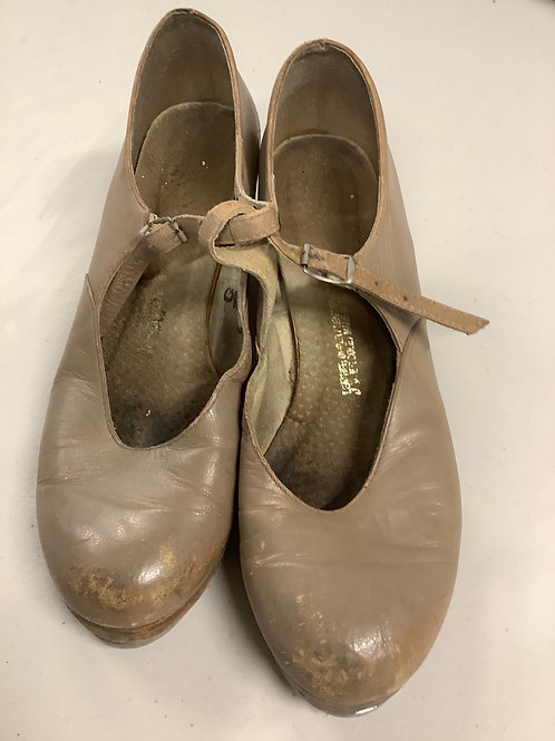 2nd hand Tap Shoes - Sole of shoe measures 24cm
