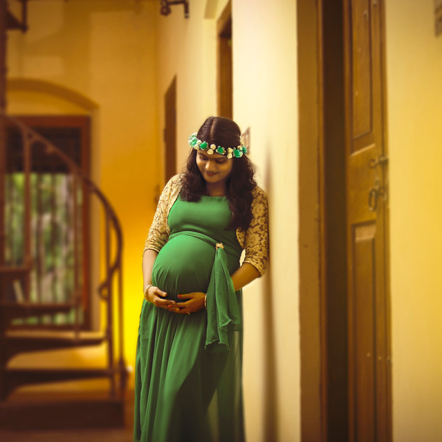 Maternity photography in Kochi