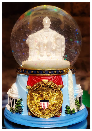 Snow Globe - Lincoln