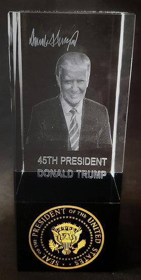 Crystal - Donald Trump 45th Presidential Seal with Base