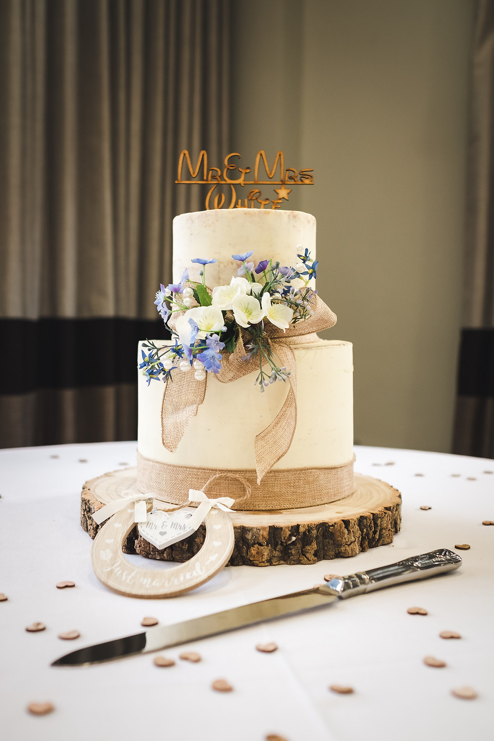 Wedding cake by Country Kitchen Cakes, Spalding