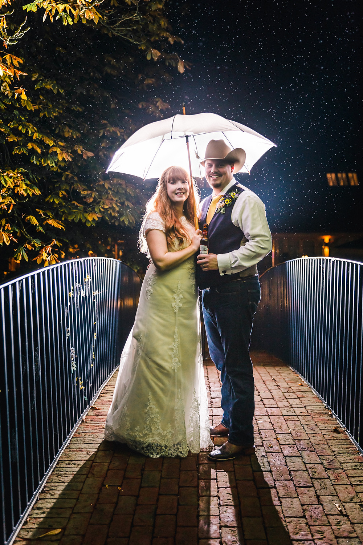 Off camera flash wedding umbrella portrait