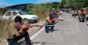 Indígenas arman a sus niños de 8 a 14 años en Chilapa, Guerrero, para que enfrenten a criminales