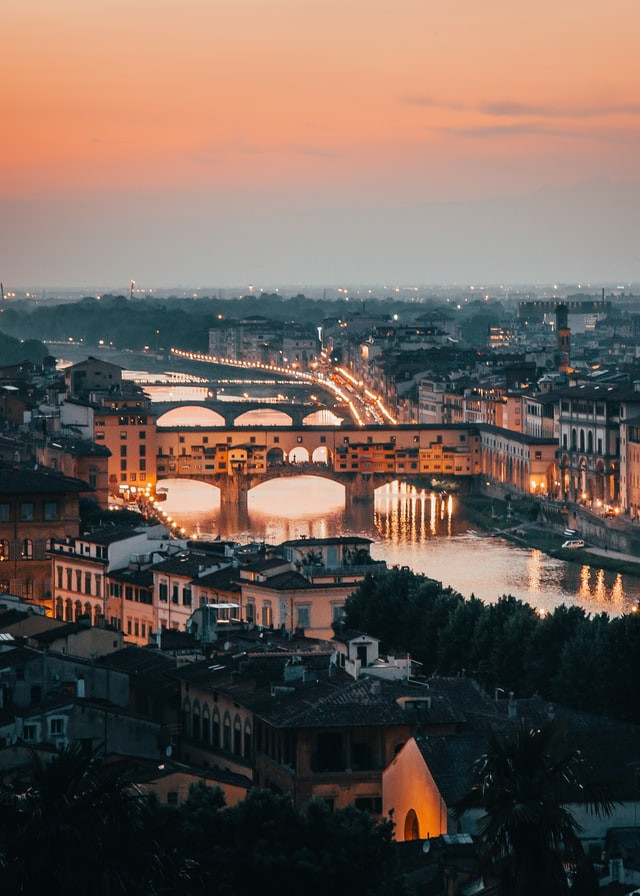 ponte vecchio-florence-italy-sunset-fami