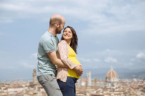 expectant couple florence.jpg