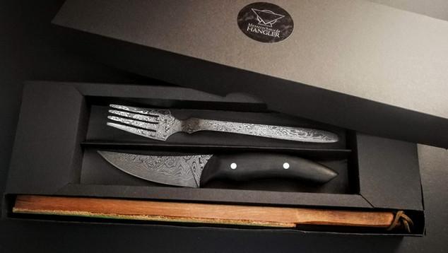 Steakmesser und Gabel
