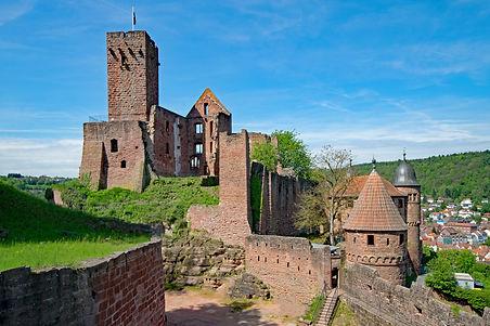 castle-2339710_1920.jpg