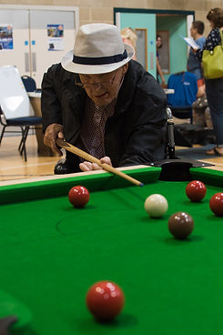 A man playing sooker