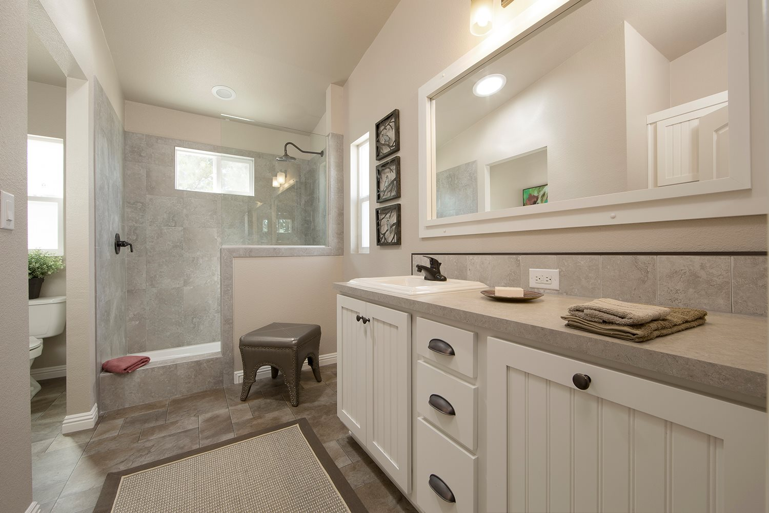 Red-Bluff-Champion-Manufactured-Home-Sales-Interior-Bathroom
