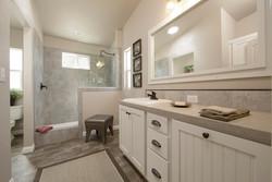 Red-Bluff-Champion-Manufactured-Home-Sales-Interior-Bathroom