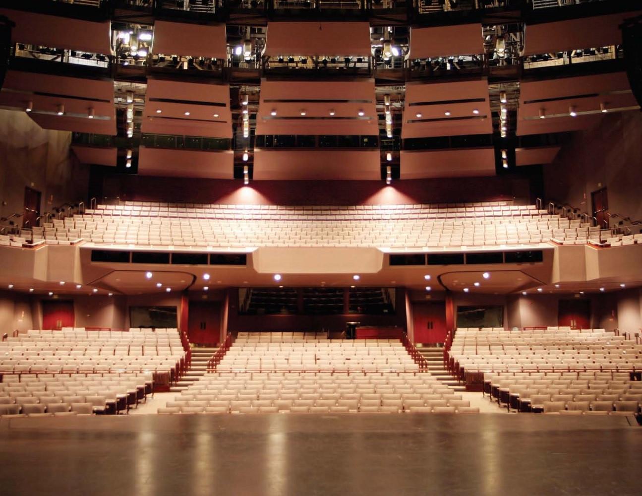 Cal State LA Luckman Theatre