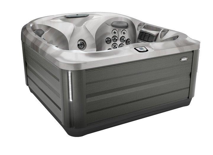 J-445 Jacuzzi® Hot Tub