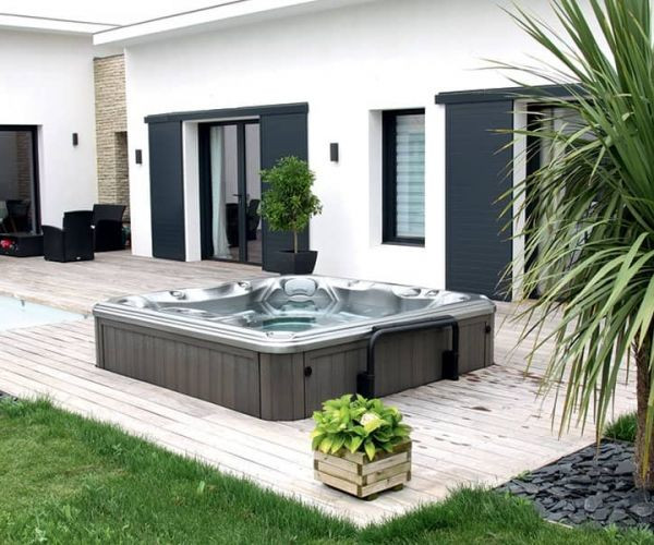 sundance-hot-tub-installation-modern-dec