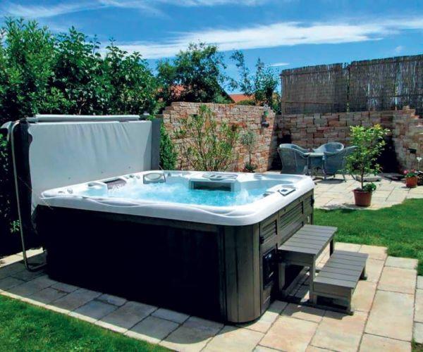 sundance-hot-tub-backyard-cover-installa