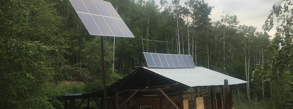 Solar arrangement on barn.jpg