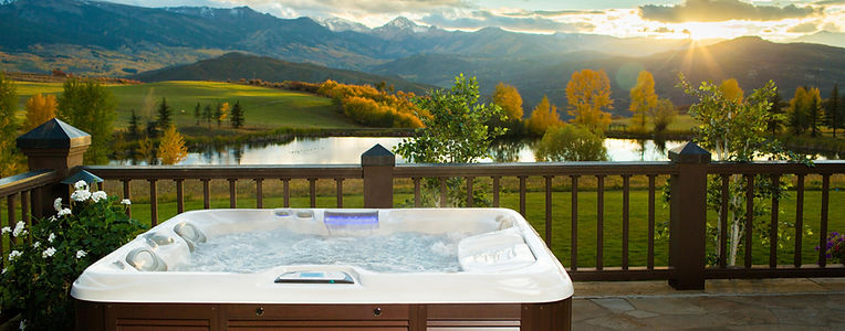 outdoor space in montana for hot tub