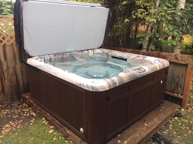 Arctic Home Living Sundance Jacuzzi Hot Tub Sales Service Alaska