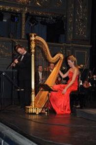 02-harfistka-Katerina-Englichova-a-fletn