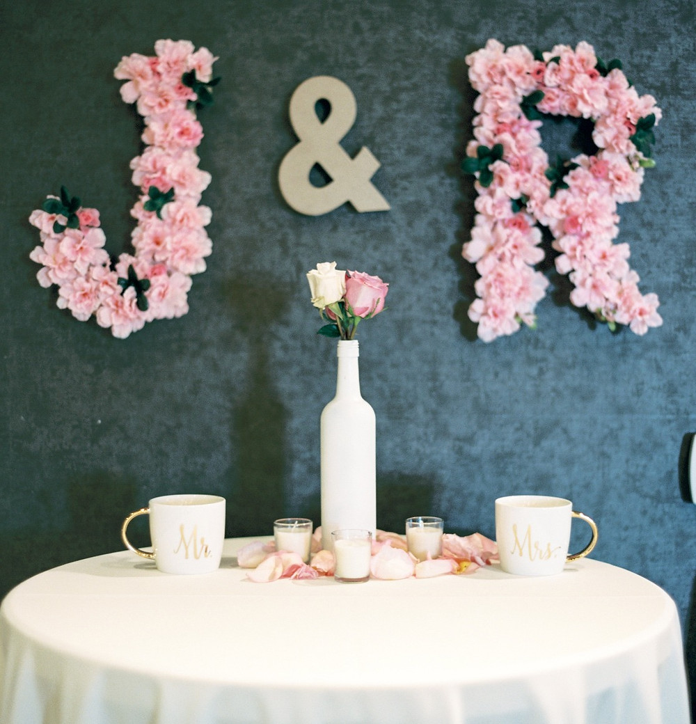 Brunch Wedding Sweetheart Table. Photo courtesy of Dyan Kethley Photography.