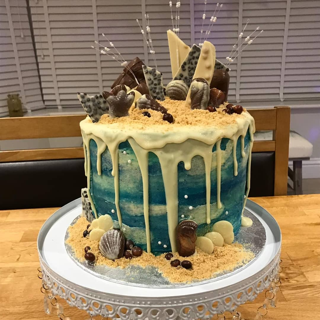 Pina colada drip cake