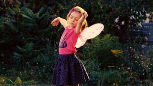 Petite Fille - Ein Mädchen