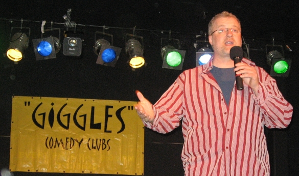 StandUp Hosting Giggles Comedy Club