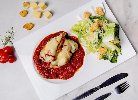 Milanesa napolitana con ensalada cesar y postre