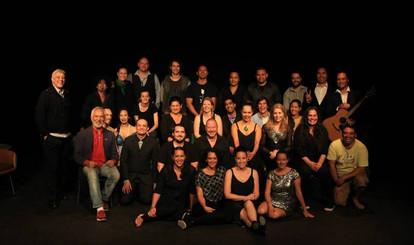 2. Opening night cast and whanau.jpg