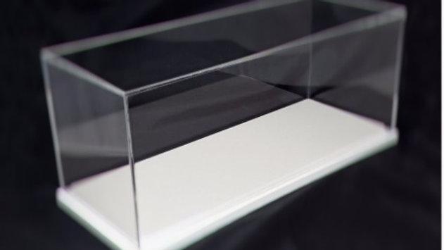 Teca in plexiglass