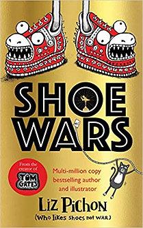 Shoe Wars (Tom Gates) Hardcover