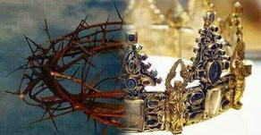 HE WEARS THE VICTORS CROWN...KING OF KINGS!