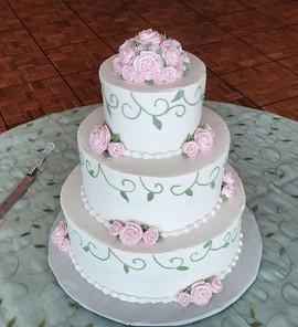 All buttercream wedding cake 😍__#mainst