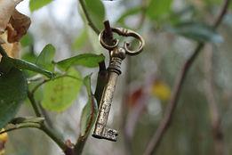 key-2060680_1920.jpg