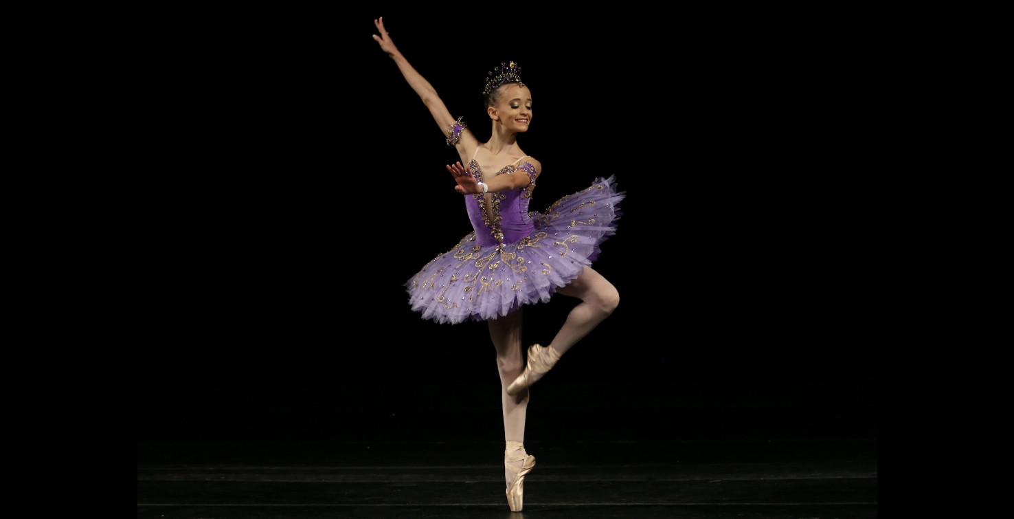 44 Luciana Sagioro Escola De Danca Petit