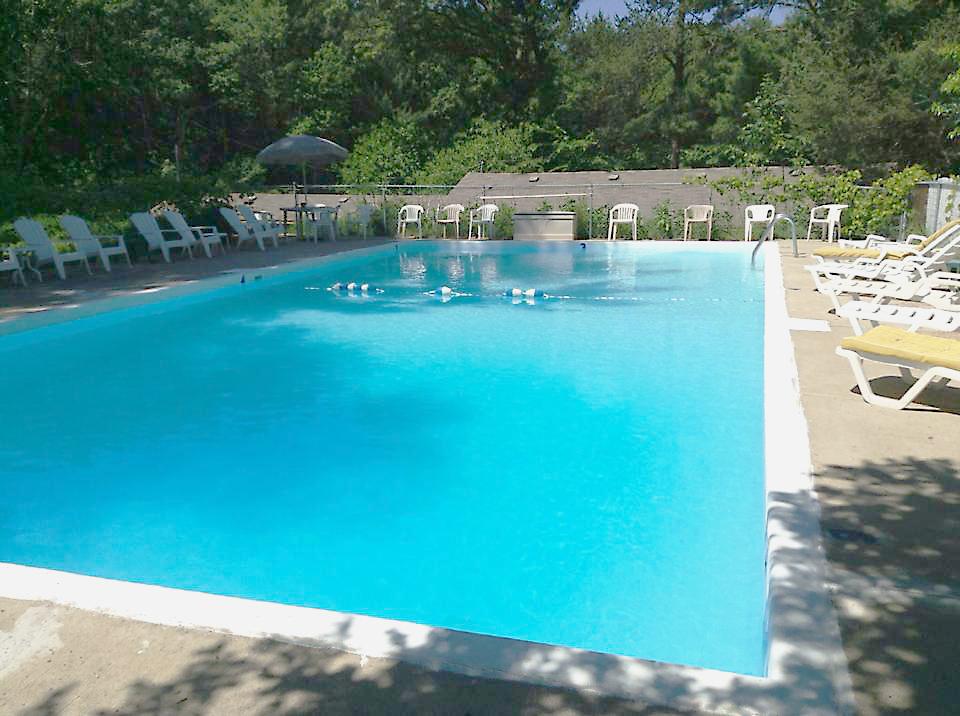 pool resort1