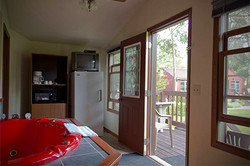 cabin 9 whirlpool room web resort