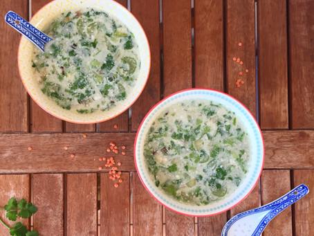 Soupe magique aux lentilles corail, lait de coco, citron et coriandre