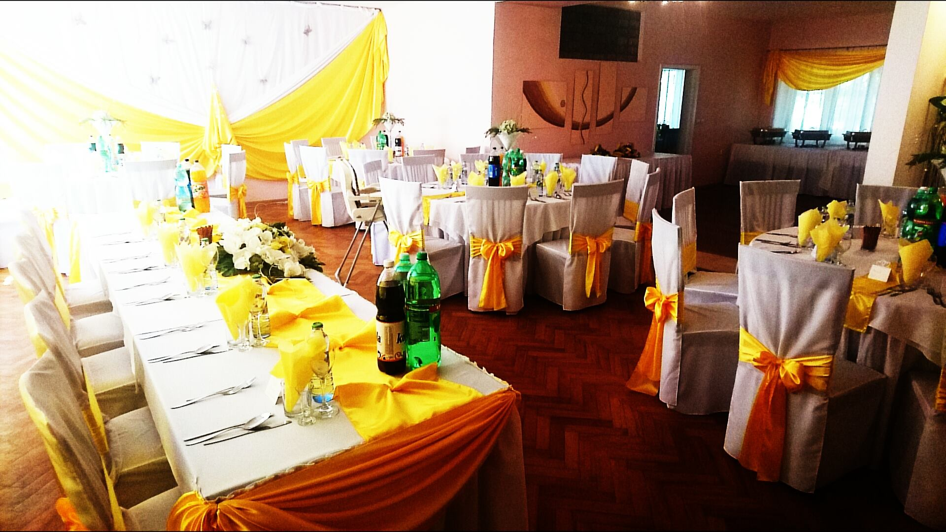 Žltá dekorácia