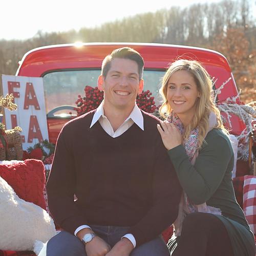 Jason + Jen - Christmas Mini